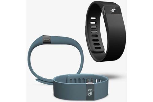 With the inclusion of a small OLED display, the new Fitbit Force is a little more smartwatch-like.