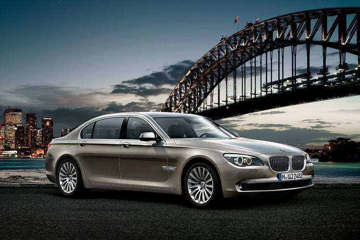 The BMW 7 Series can be optioned with a DAB+ digital radio stereo from May.