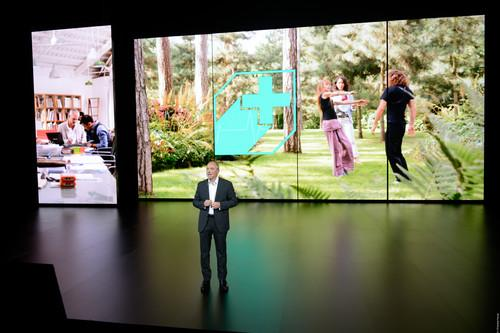 Everyone knows you shouldn't make Apple-to-Orange comparisons, but CEO Stéphane Richard was clearly playing up the similarities at the Palais de Chaillot theater in Paris on Thursday. In business casual attire, with just five giant video screens for company on stage, he spent nearly an hour hyping the products and services the company will offer businesses and consumers over the next year.