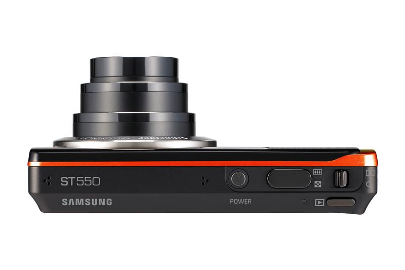 Samsung puts LCD screens on the front of new cameras