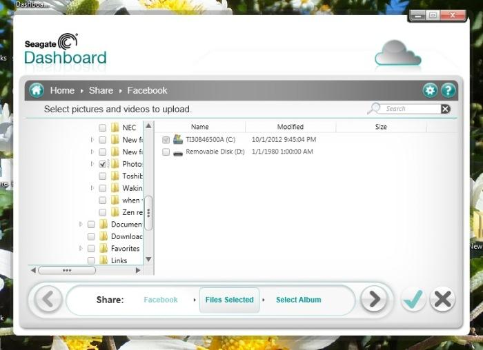 Using Seagate Dashboard 2.0 to upload photos to Facebook.