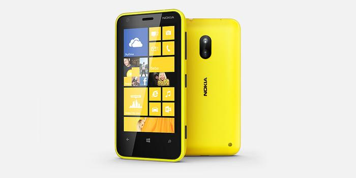 The Nokia Lumia 620 comes with a 3.8in, TFT touchscreen with a respectable resolution of 800x480.