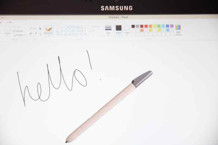 The digitiser pen (a Samsung S-Pen), is useful for handwriting recognition and drawing.