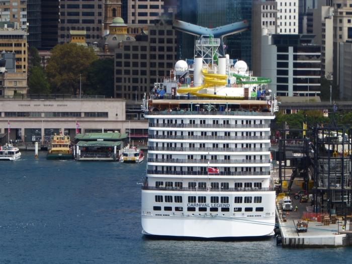 Using the zoom to get a straight angle on this ship from afar.
