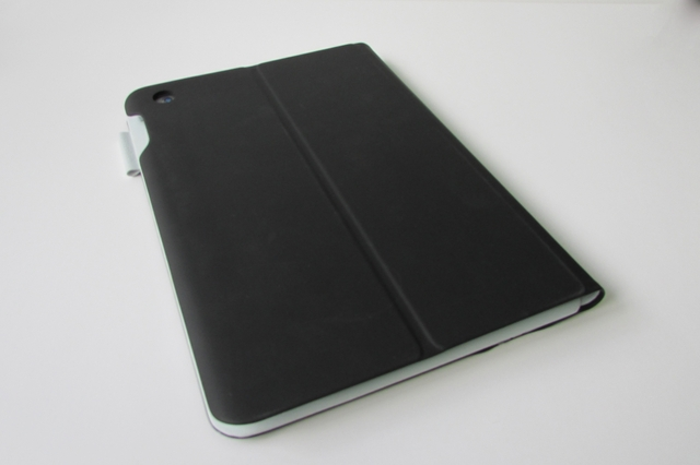 Logitech FabricSkin Keyboard Folio for iPad Air