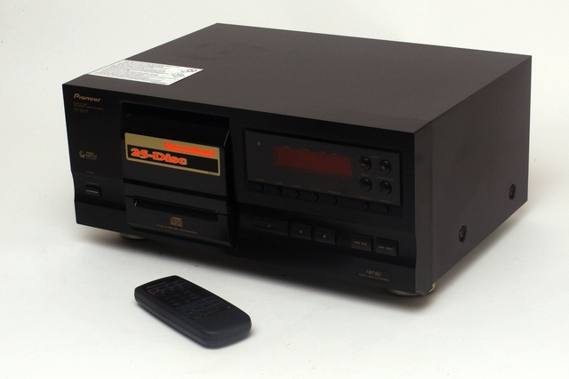 Pioneer PD-F507 25 Disc CD Player